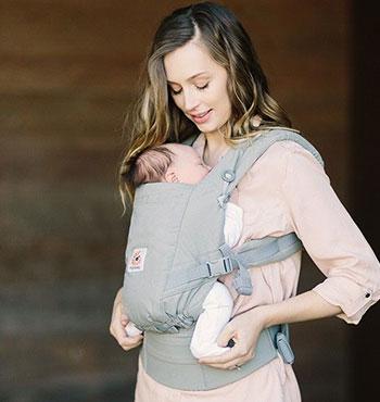 Choosing A Buckle Carrier For A Newborn