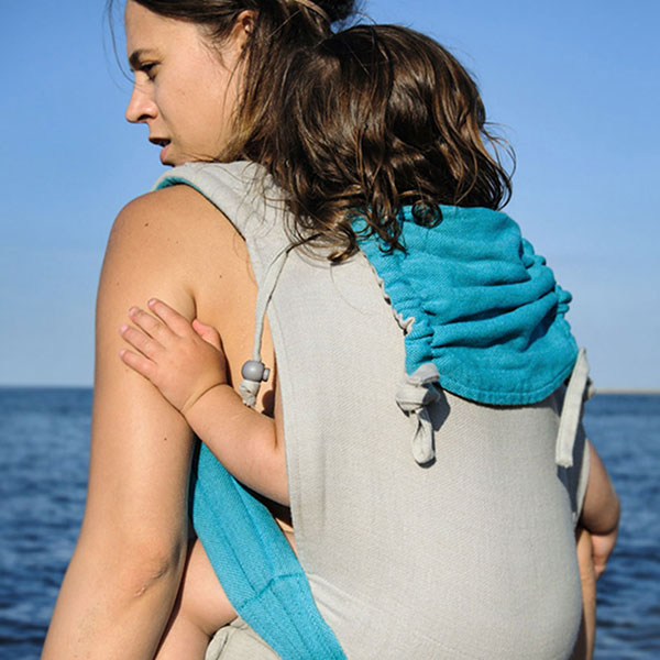 Top Tips For Babywearing In Summer